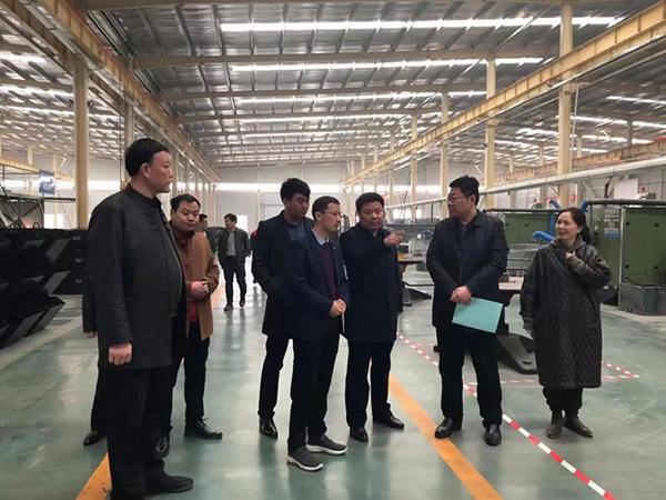 林振峰参观河北的工厂照片